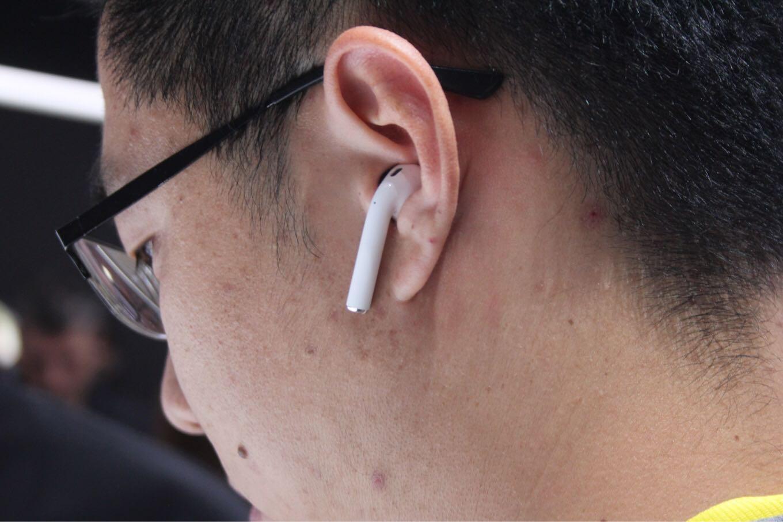 Écouteurs sans fil Apple Airpods blanc